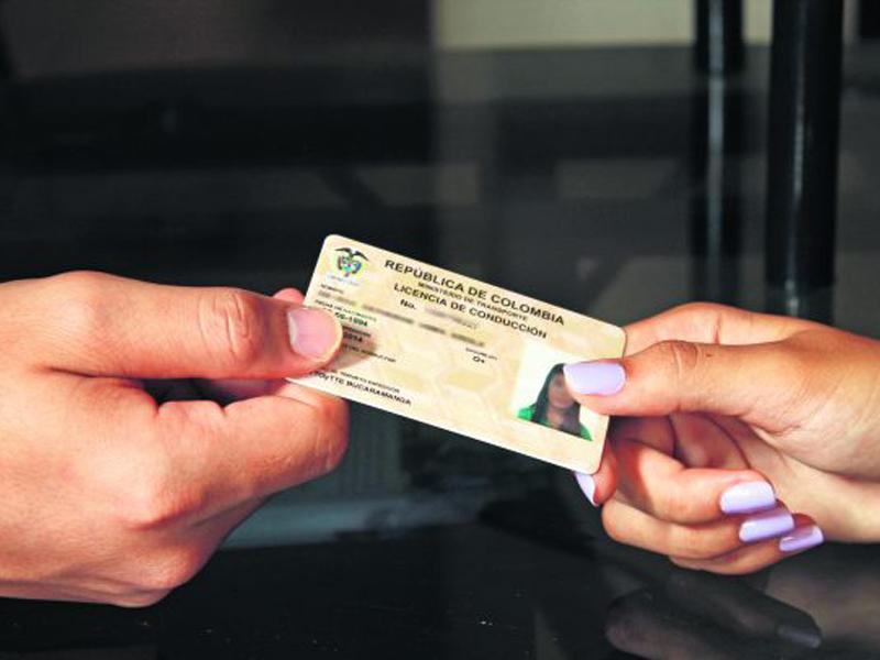 licencia de conduccion financiada en medellin